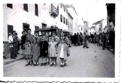 Carrer Nou. 1952. Cortesia Olga Bonet publicada a FOTOS ANTIGUAS DE MENORCA